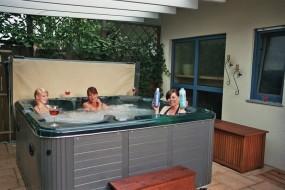hottub-pool-outdoor-826-von-ms-company