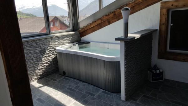 2-Personen-Whirlpool-Steinen-Kanton-Schwyz