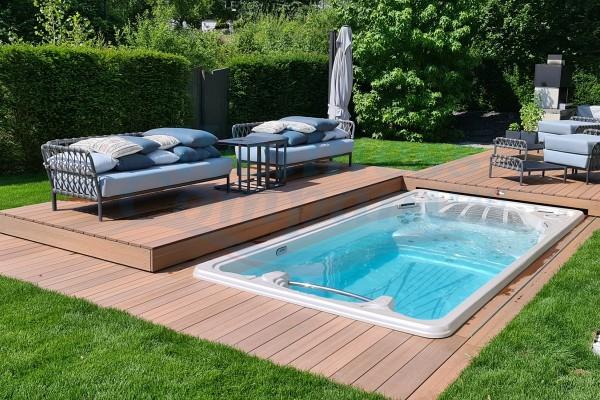 Automatische Schwimmbad / Swimming Pool Abdeckung nach Mass aus eigener Produktion