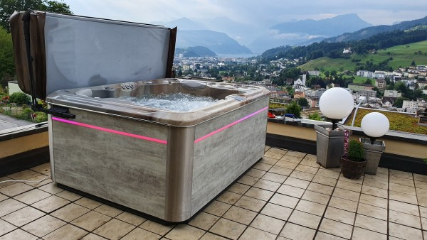TopSpa-Whirlpool-swiss-made-Top-Whirlpool-ch_Kriens_Luzern