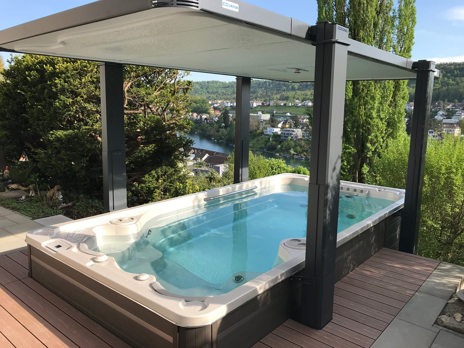 Installation Hydropool Swim-Spa 16fX inkl. Covana Legend ...