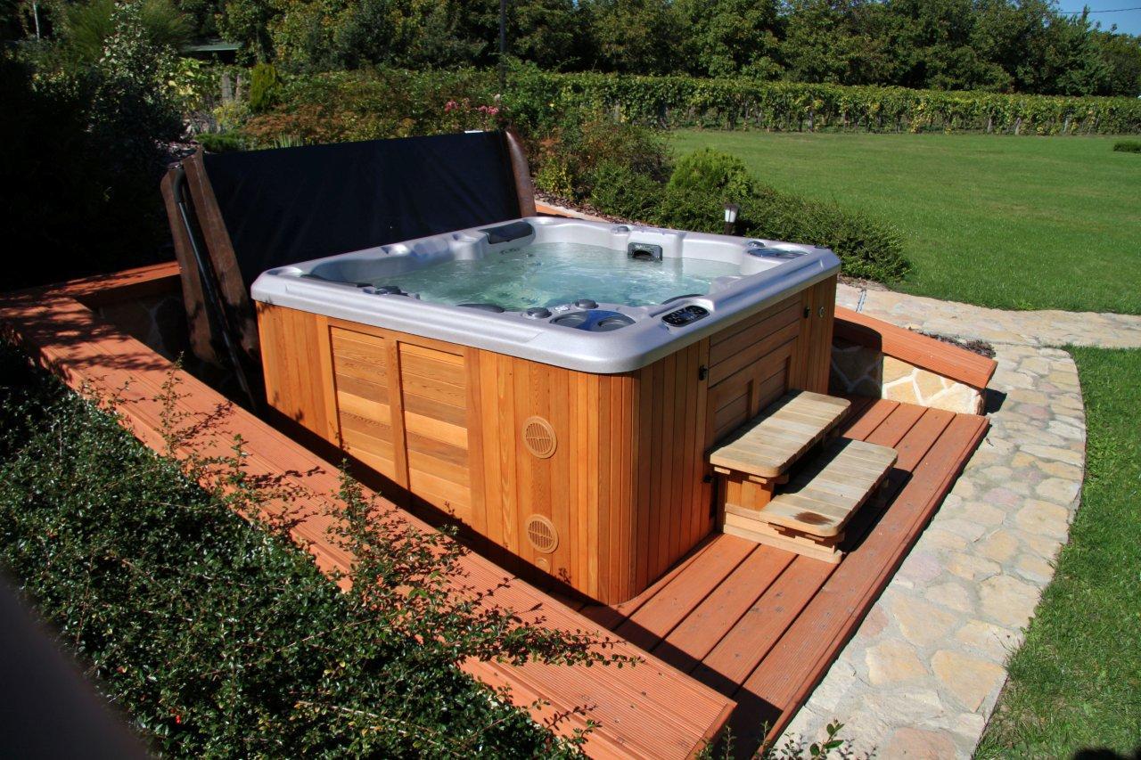 wo stelle ich einen hydropool oder serenity whirlpool auf. Black Bedroom Furniture Sets. Home Design Ideas