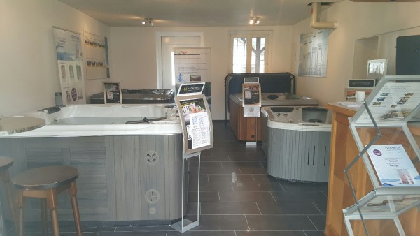 Showroom-Filiale-Reiden_Top-Whirlpool-ch