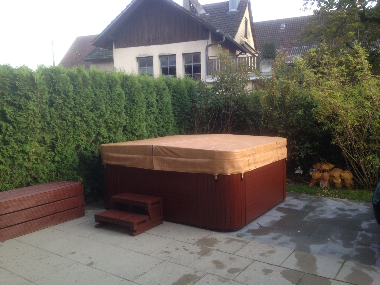 kundenmeinung zur whirlpool abdeckung cover zu nordic. Black Bedroom Furniture Sets. Home Design Ideas