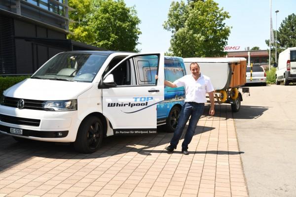 Top-Whirlpool-Sommer-Hausmesse-2018-neues-beschriftetes-Serviceauto-1