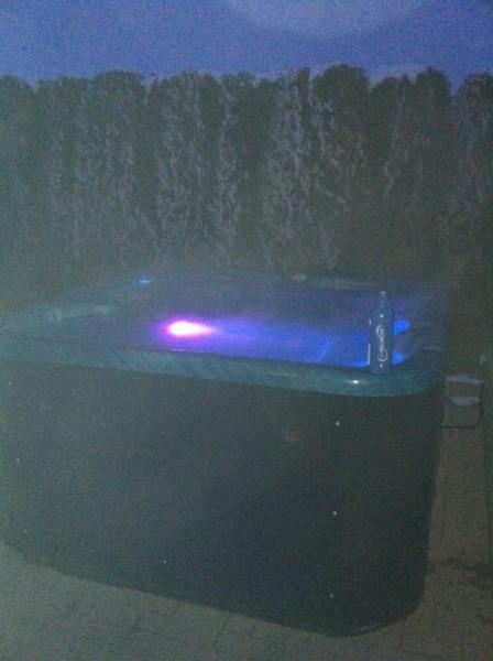 whirlpool-leisure-bay-spa