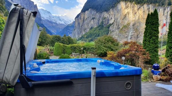 Top-Whirlpool_Hydropool-Serenity-5500_Lauterbrunnen_Bern
